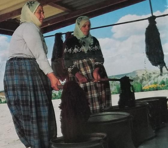 Tukish Women Dyeing Yarn
