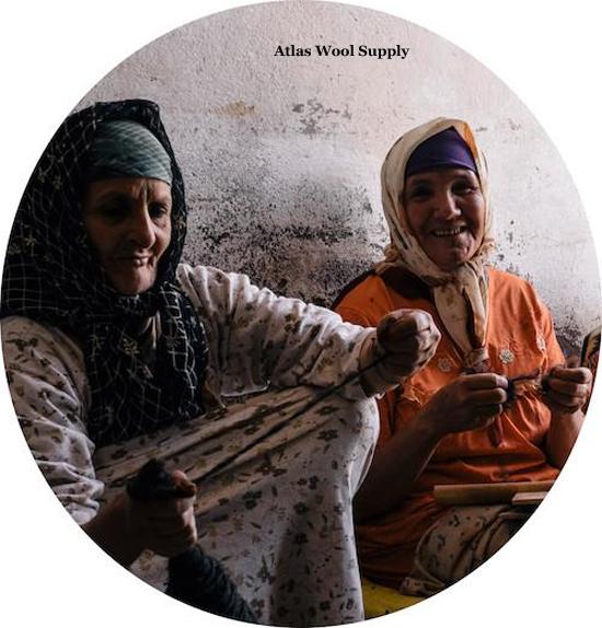 Hand Spinning at Atlas Wool