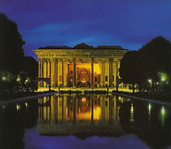 Chehel Sotoun Pavilion built by Shah Abbas