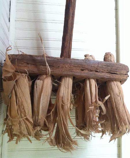 Early Corn Shuck Mop/Broom