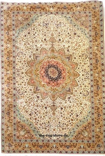 Hereke Oriental Rug